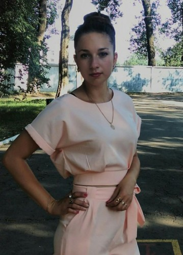 Руководитель кружков , зав народного творчества Савенкова Ксения Александровна